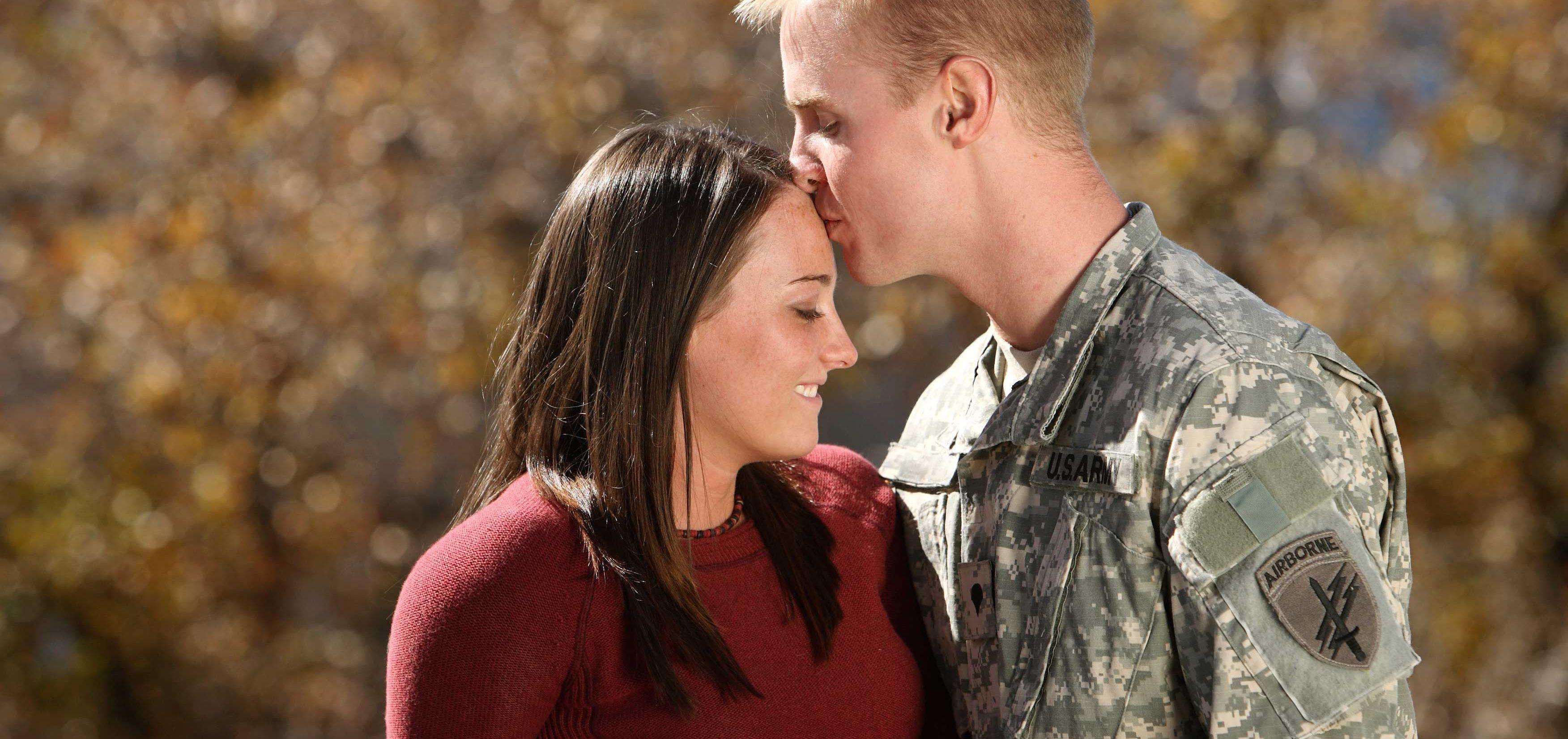 Жены военных секс